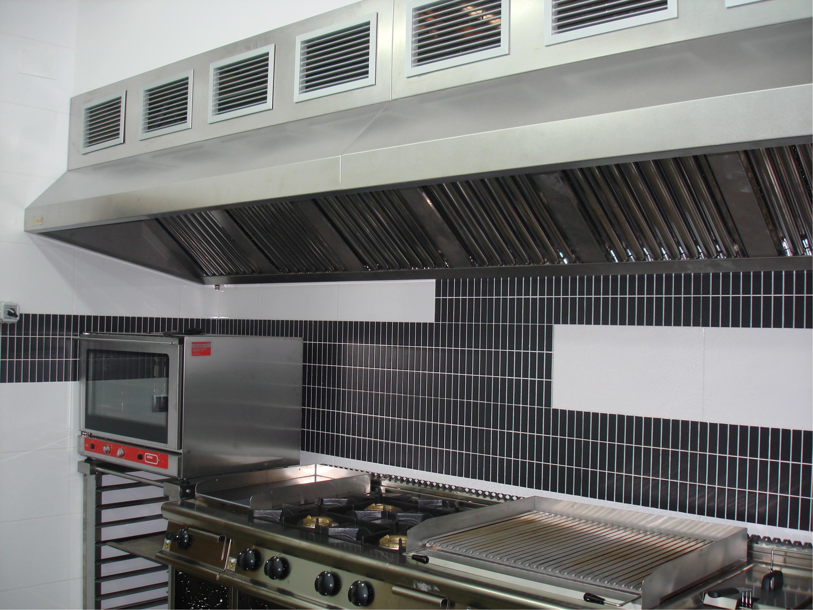 Campanas extractoras industriales hosteler a filtresa for Accesorios de cocina industrial