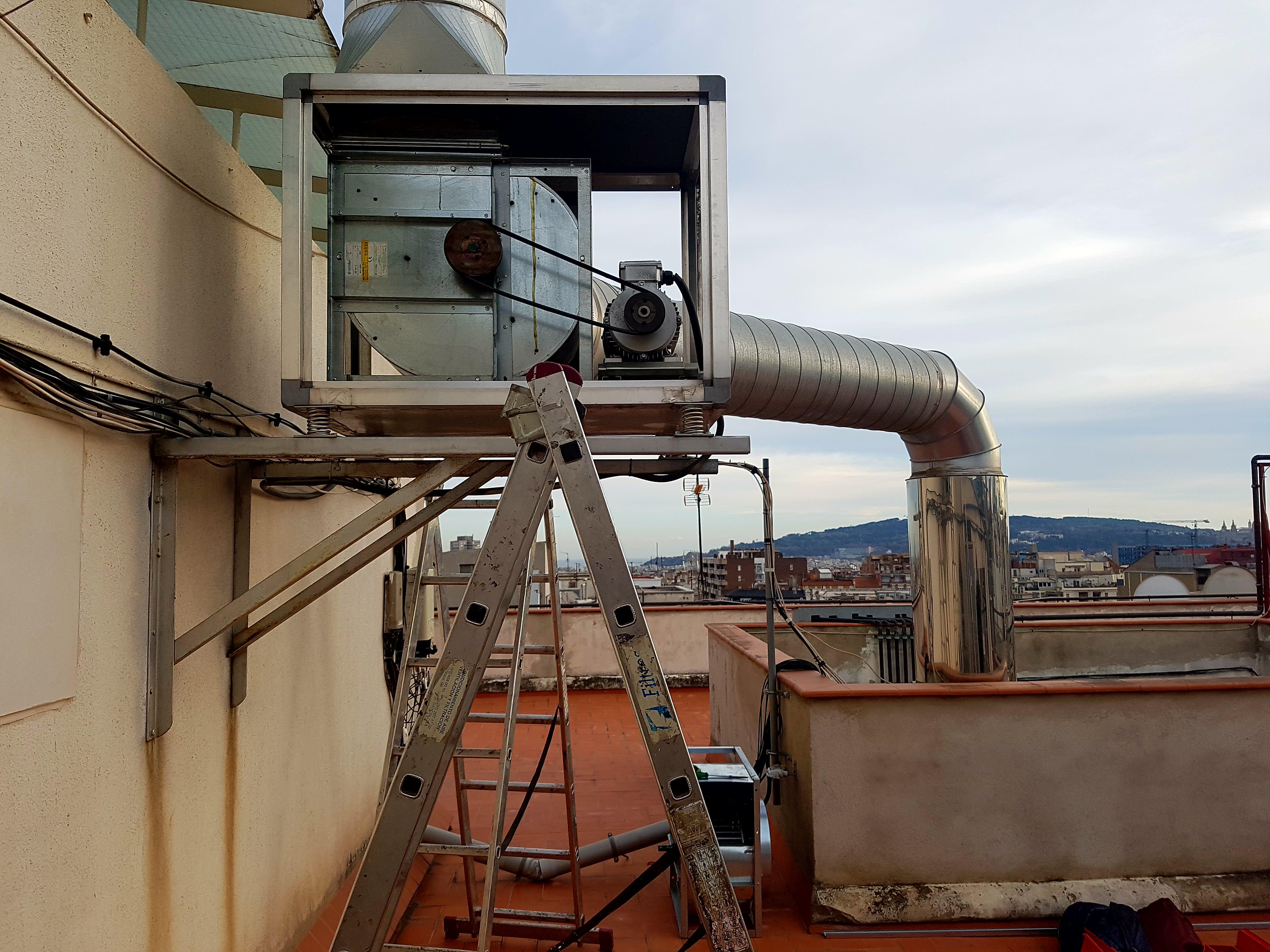Cambio de un ventilador industrial